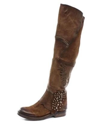 A botas cuero marron